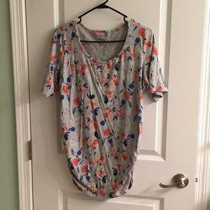 Lovely tee shirt maternity wear
